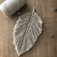 Verenpakket nature (in 4 kleuren verkrijgbaar) Restoration Hardware Living Room, Diy And Crafts, Arts And Crafts, Old Farm Equipment, Yarn Wall Hanging, Beach Color, Macrame Cord, Junk Art, Home Wedding