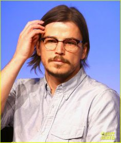 Josh Hartnett speaking onstage at the Penny Dreadful panel held during the 2014 SXSW Festival