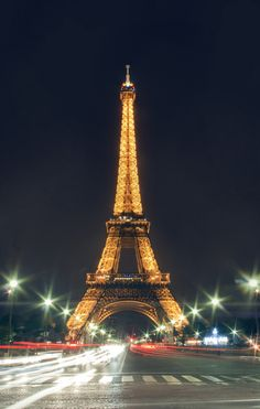 Eiffel Tower in Paris_ France