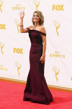 Sarah Hyland | All The Looks From The 2015 Emmy Awards