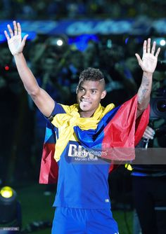 Wilmar Barrios greets the public after a match between Boca Juniors and Union as part of Torneo Primera Division at Alberto J. Armando Stadium on June 2017 in Buenos Aires, Argentina. Get premium, high resolution news photos at Getty Images Afro, Charlie Brown, Public, Football, Division, June, Grande, Image, Roman