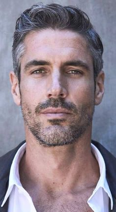 40 Winning Grey Hair Styles For Men Buzz 2018 Handsome Men Quotes, Handsome Arab Men, Handsome Faces, Handsome Older Men, Older Man, Older Mens Hairstyles, Haircuts For Men, Classy Hairstyles, Silver Foxes Men