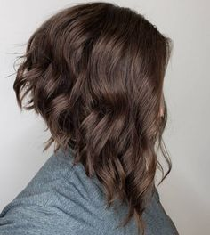 layered bob hairstyles 12 Stunning short layered bob haircutsIf you are wondering how to style your short hair, let consider short layered bob haircuts. Wavy Inverted Bob, Short Layered Bob Haircuts, Inverted Bob Hairstyles, Angled Bobs, Layered Bob Hairstyles, Wavy Bobs, Hairstyles Haircuts, Stacked Bobs, Layered Bobs