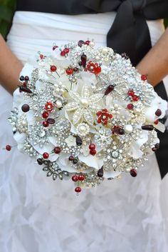 white red black   LOVE THIS BOUQUET
