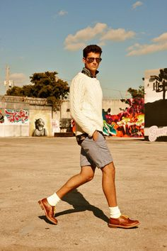 Terron Wood by Arnaldo Anaya-Lucca for GQ Germany / Menswear casual spring style