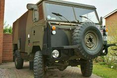 Land Rover 101 Radio Body E.W. Version 24 Volt 3.5 V8 petrol