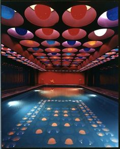 Indoor swimming pool in the German Spiegel publishing house building in the 1960s. By the Danish designer Verner Panton.