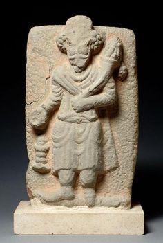 bas relief calcaire d'un roi parthe 3s masjed suleiman