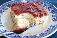 Γλυκό Ψυγείου με Σαβουαγιάρ, Μαλεμπί & Μαρμελάδα