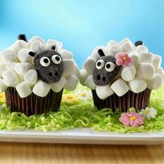 Happy Easter from Devine Bride! These would make super cute favours for a #Spring wedding! #happyeaster #happysunday #easter #weddingfood #weddingideas #weddingfavors #weddingfavours #cupcakes #weddingcake #cake #sheep #weddingblog #weddingblogger #devinebride