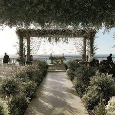 Um guia completo de dicas e profissionais de decoração, cerimonial, buffet e lugares para casar em Búzios