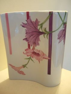 back side of the petunia vase painting on porcelain by Olivia Guez