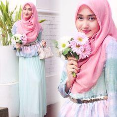 Kreasi Tutorial Hijab Segi Empat Simple Ala Dian Pelangi