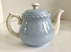 Vintage Classic American, English and Asian Teapots Asian Teapots, Homer Laughlin, High Tea, Vintage Teapots, Antiques, Tea Kettles, Classic, Tea Sets, Blue