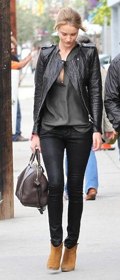 Rosie Huntington-Whiteley - Street Style