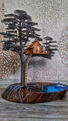 Are you looking for an original gift or home decorating? You are in the right place. Wire Art Sculpture, Tree Sculpture, Sculptures, Jewelry Tree, Wire Jewelry, Wire Bracelets, Wire Rings, Beaded Jewelry, Handmade Jewelry