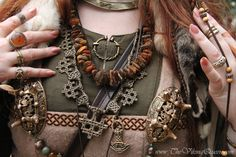 I love the layering here! The rough stone necklace is wonderful.