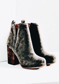 The perfect neutral velvet boots! Sock Shoes, Cute Shoes, Me Too Shoes, Bootie Boots, Shoe Boots, Shoes Heels, Grey Booties, Stilettos, Shoe Closet