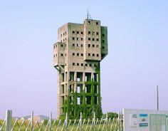 The premier zombie-defense structure.