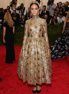 Courtney Eaton in Dolce&Gabbana Alta Moda at the 2015 MET Gala