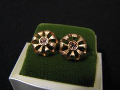 Vintage Gold Tone and Pink Diamond Rhinestone Round by ditbge, $9.50