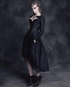 Gothic Gowns, Art Poses, Silk Wool, Black Queen, Gothic Beauty, Coat Dress, Wool Coat, Catwalk, My Style