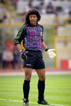Higuita,one of the best gk in the world