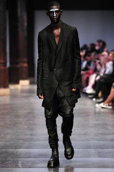 Visions of the Future: Julius Menswear Spring Summer 2016 Paris - NOWFASHION