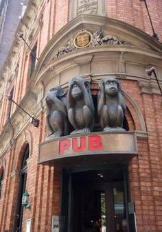 3 Wise Monkeys pub, Sydney, Australia