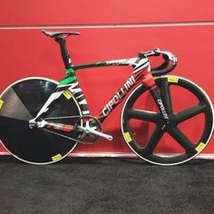 #cipollini #fixed #track #fixie #velo #velodrome #fastbike #pelleofficial