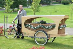 Sunset Hills Cemetery and Funeral Home offers a totally green funeral with a bicycle driven hearse and a bamboo coffin Tricycle, Green Funeral, La Danse Macabre, Funeral Planning, Funeral Ideas, Cargo Bike, Transporter, Go Green, Coffin