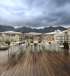 MOSO® Bamboo X-treme decking used in Hilton Bogota Hotel in Bogota, Colombia. Discover the benefits of MOSO Bamboo solid beams by reading more. Dyi, Moso Bamboo, Halloween, Sustainability, Decoration, Simple, Hardwood, Foyer, Tropical