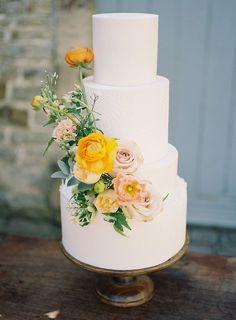 Summer Wedding Cakes, Fondant Wedding Cakes, Purple Wedding Cakes, Fall Wedding Cakes, Wedding Cake Designs, Wedding Desserts, Lace Wedding, Wedding Cake Flowers, Yellow Wedding