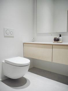 lainahöyhenissä - Blogi   Lily.fi Small Bathroom, Master Bathroom, Guest Toilet, Ceramic Sink, House Rooms, Bathroom Interior, Powder Room, Sweet Home, New Homes