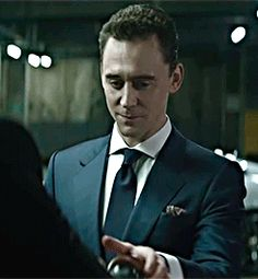 Birth Movies Death: http://birthmoviesdeath.com/2016/05/27/exclusive-tom-hiddleston-in-talks-for-bond-25