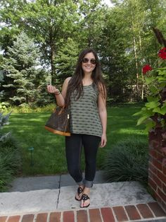 Fall into fall with this fun fashionista! http://www.collegefashionista.com/all-in-the-details-fall-into-fall/