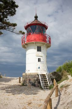 Lighthouse Lighting, Lighthouse Pictures, Lighthouse Painting, Interesting Buildings, Beautiful Buildings, Beautiful Places, Sports Nautiques, Germany Photography, Beacon Of Light