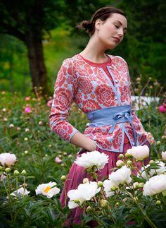 Winding Yarn: A Knitter's Garden-Solveig Hisdal for Oleana