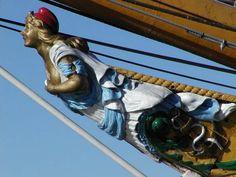 Barrio de Puerto Madero: (mascaron de proa) del buque  Museo Fragata ARA Presidente Sarmiento.-