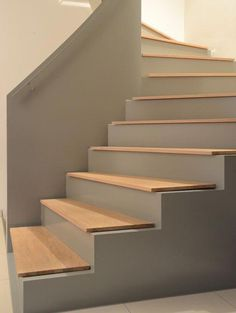 It's mind-blowing! Take a look at these 4 hints all pertaining to treppenaufgang Rustic Staircase, Concrete Staircase, Staircase Design, Stair Wall Decor, Modern Stairs, Interior Stairs, House Stairs, Image House, Stairways
