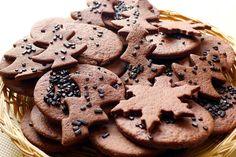 Simple chocolate cookies - No Bake Desserts Chocolate No Bake Chocolate Desserts, Chocolate Cookies, No Bake Desserts, Easy Desserts, Holiday Cookie Recipes, Easy Cookie Recipes, Holiday Cookies, Biscuits, Christmas Baking