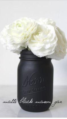Pot masson comme décoration parfait pour le recyclage.