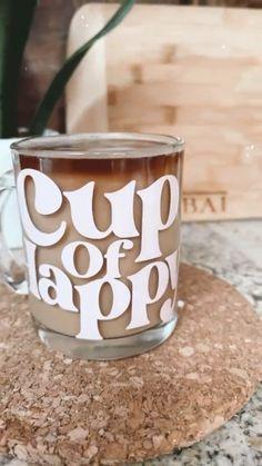 Starbucks Cup Art, Custom Starbucks Cup, Cup Of, Glass Coffee Cups, Coffee Mugs, Coffee Cup Design, Aesthetic Coffee, Custom Cups, Personalized Cups