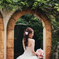 How gorgeous is this lovely bridal portrait by Silhouette Studio? Simply stunning!