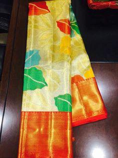 Kanjivaram Sarees Silk, Kanchipuram Saree, Pure Silk Sarees, Lehenga Saree Design, Saree Blouse Designs, Blouse Styles, Floral Print Sarees, Printed Sarees, South Indian Silk Saree