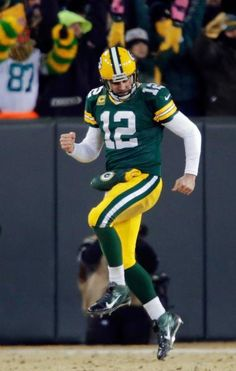 Green Bay Packers quarterback Aaron Rodgers skipping with joy. Green Bay Packers Cheesehead, Green Bay Packers Players, Green Bay Packers Quarterbacks, Go Packers, Packers Football, Nfl Football Players, Nfl Playoffs, Best Football Team, Football Season