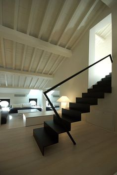 Restauro A Mantova - Picture gallery Interior Staircase, Modern Staircase, Staircase Design, Interior Architecture, Interior And Exterior, Interior Design, Door And Window Design, Archi Design, Stair Steps