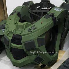 Halo Master Chief Helmet, Master Chief Armor, Master Chief Costume, Master Chief And Cortana, Halo Master Chief Collection, Halo Cosplay, Clone Trooper Helmet, Otaku, Astronaut Helmet