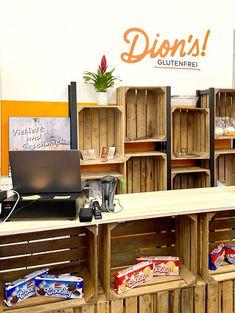 Dions! glutenfrei - der neue 100% glutenfreie Shop in Wien! Ich freue mich ganz besonders das heutige Interview mit dir zu teilen. Denn es gibt da etwas Neues in Wien: Dion's! glutenfrei. Ein 100% glutenfreier Shop mit Produkten aus ganz Europa, viele, die es sonst nicht in Wien gibt und auch eine Eigenmarke mit frischem Gebäck. Ein Traum für alle mit Zöliakie. Interview, Europe, Gluten Free Foods