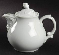 Maria Theresia Individual Teapot & Lid by Hutschenreuther Cup Crafts, White Porcelain, Tea Pots, Entertaining, Tea Pot, Funny, Tea Kettles
